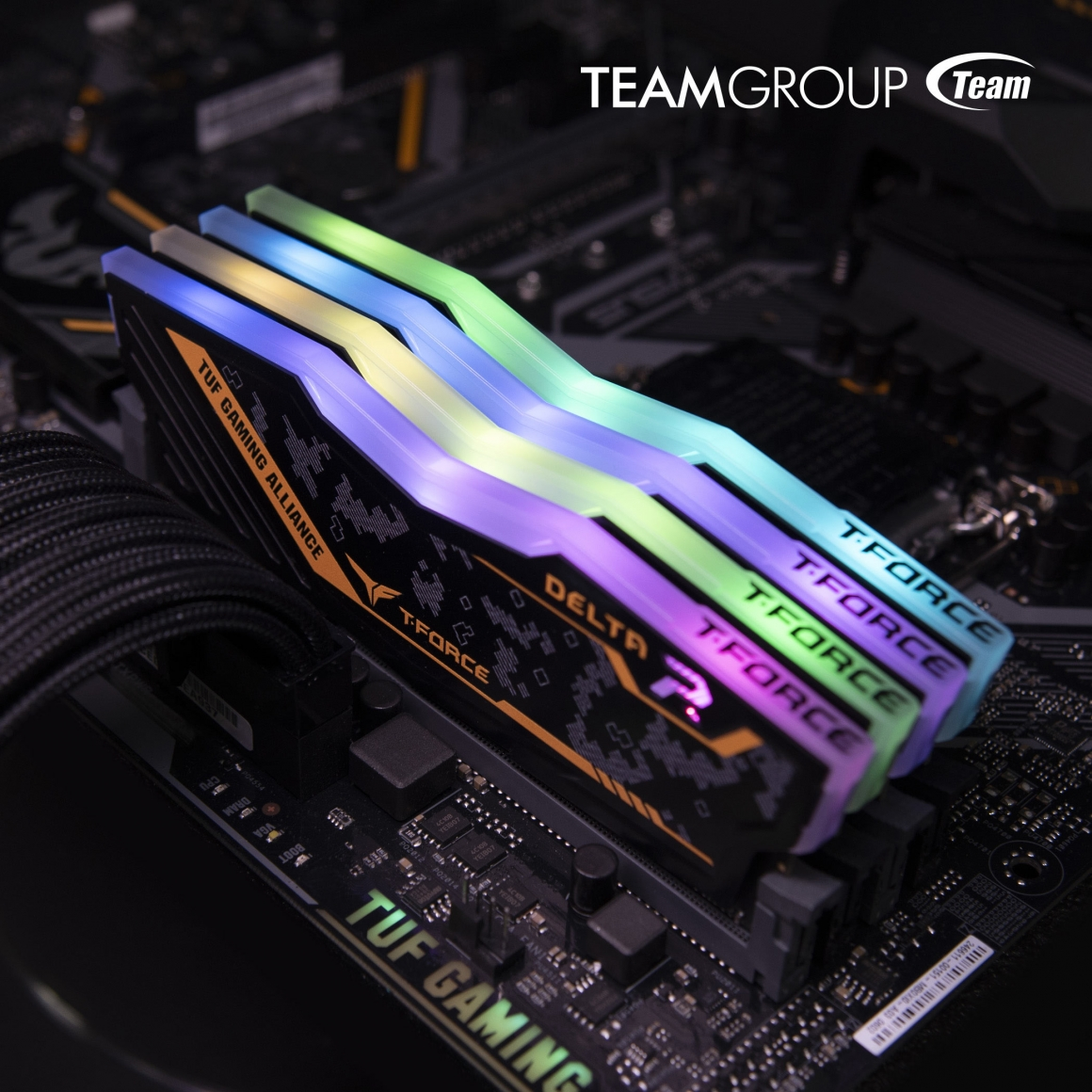 T-FORCE DELTA TUF Gaming RGB DDR4 RGB LED